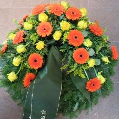 Kranz orange Gerbera, gelbe Rosen