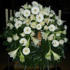 Kranz weiße Gerbera, weiße Longiflorum Lilien