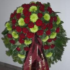 Kranz rote Rosen, grüne Shamrock