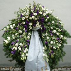 Kranz Eustoma weiß, violett