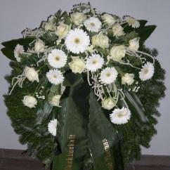Kranz weiße Gerbera, weiße Rosen