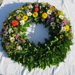 Kranz Sommerblumen, gesteckt