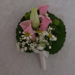 Anstecker rosa Blütenblätter