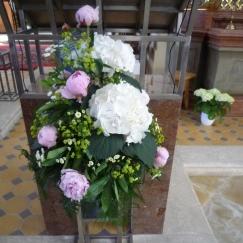 Altargesteck Pfingstrosen Hortensien