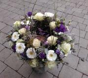 Urnenkranz in flieder und violett Tönen
